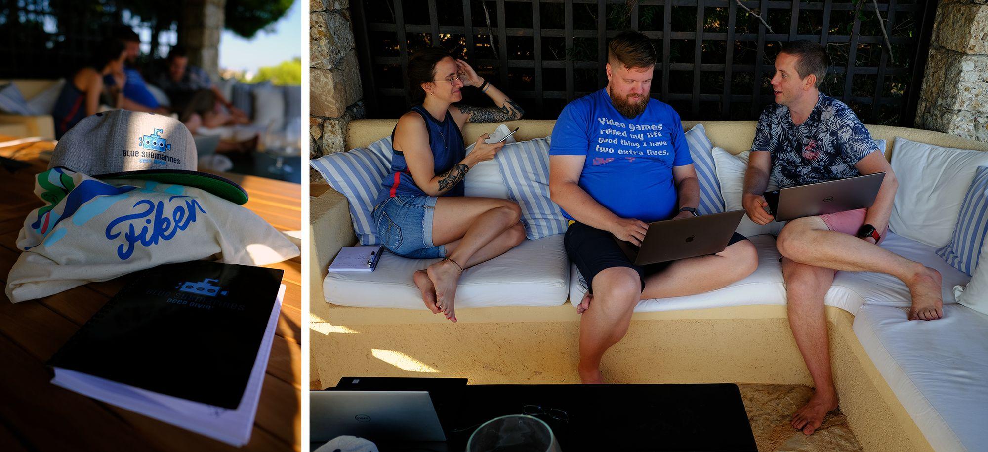 Fotografi av tre personer som sitter i en sofa med bærbare datamaskiner