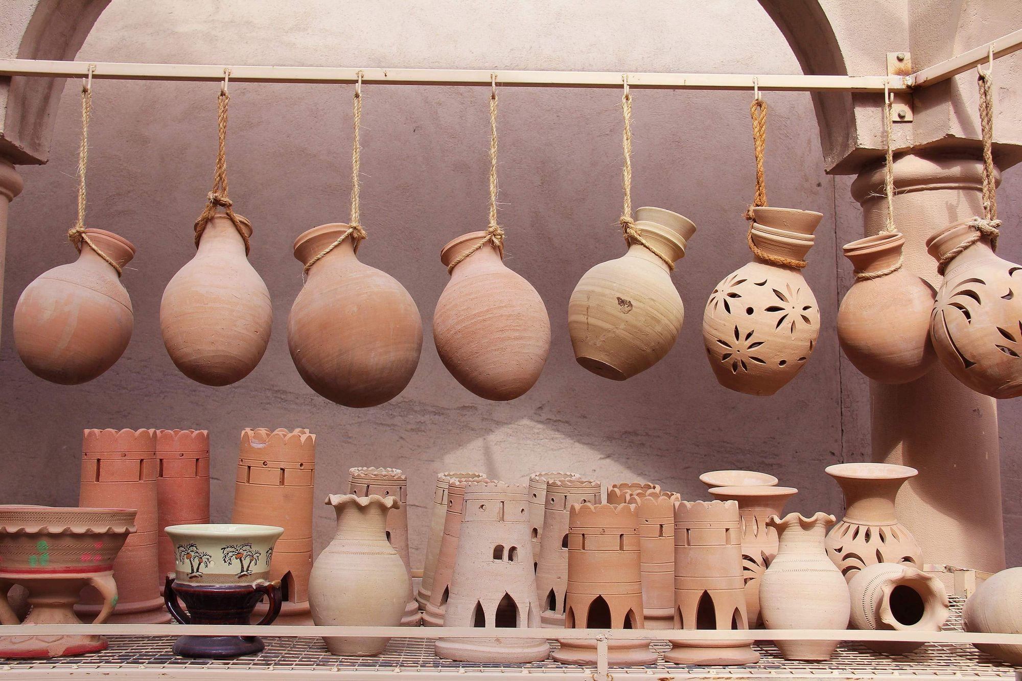 Fotografi av gamle, forhistoriske aromadiffusere